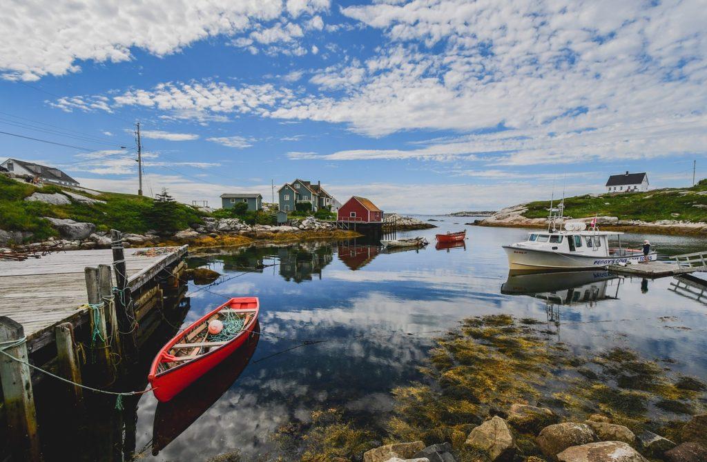 Ponton, kajak czy łódka - co wybrać?