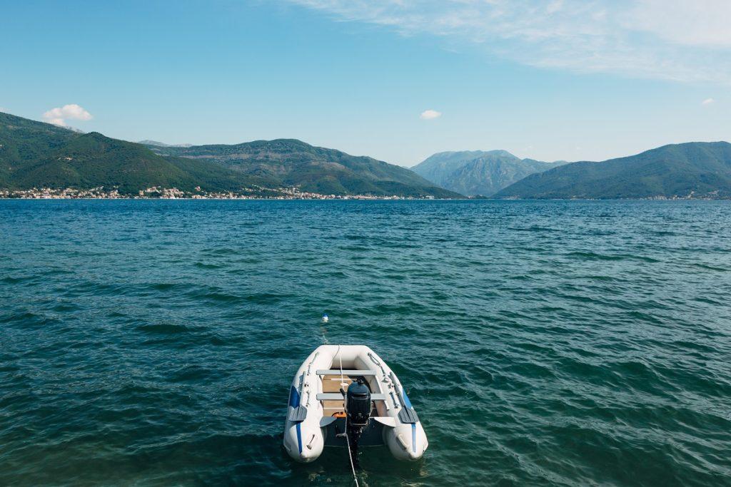 Jak przechowywać ponton? Poradnik
